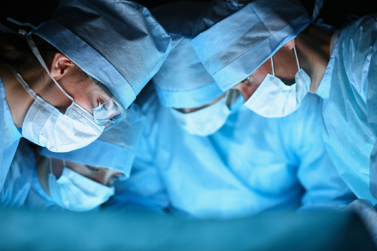 Why Spinal Surgery Should Only Be Considered As A Last Resort [Research]