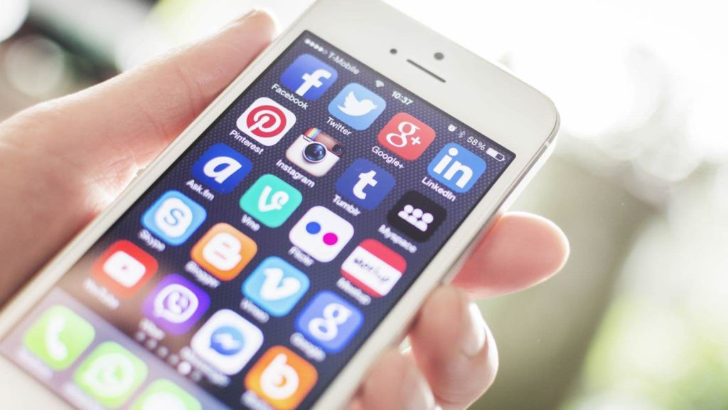 Our Favorite iPhone & Android Apps To Help Maximize Your Health