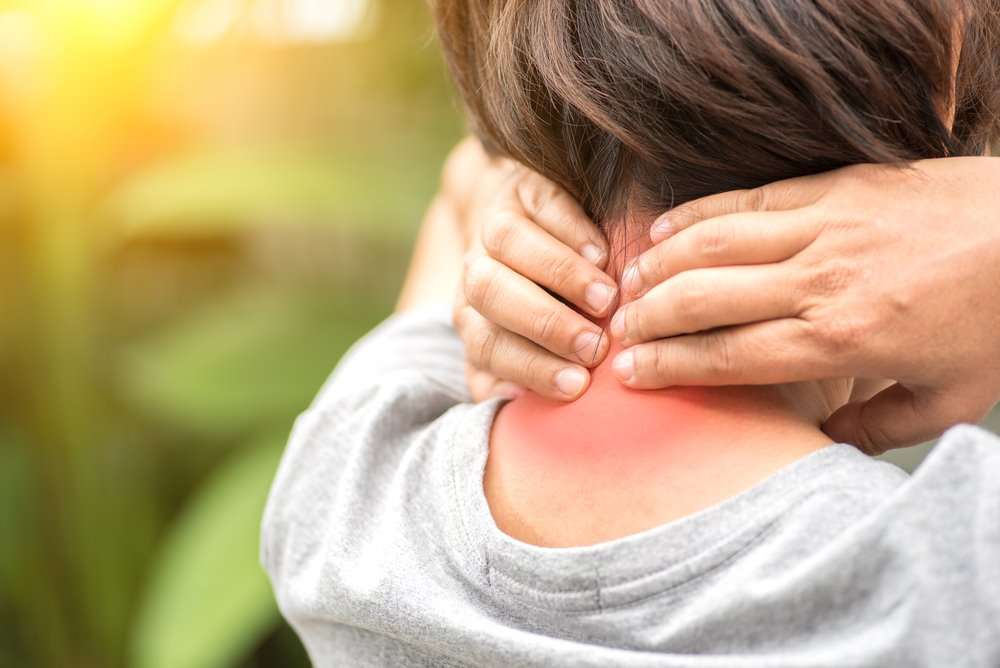4 Reasons Chiropractic Care Needs To Be Your FIRST Option For Back & Neck Pain